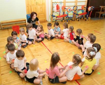 Открытый урок по физкультуре в первой младшей группе